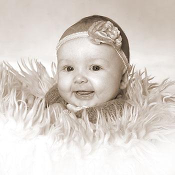 Fotograf Skanderborg månedsfoto pige med hårbånd