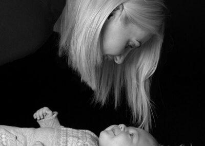 månedsbilleder med mor og barn